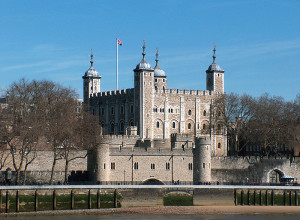 800px-Tower_of_London,_April_2006