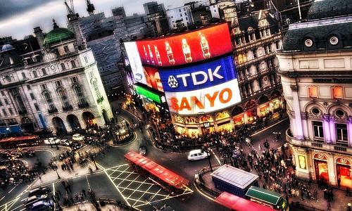 """אזור סוהו הוא המרכז של """"מרכז העיר לונדון"""" ויש בו את כל הדברים שהתייר המתחיל בלונדון חייב לראות אזור סוהו (Soho) נחשב לאזור הכי """"חם"""" מבחינת בילויים, במיוחד פיקדילי סירקס […]"""